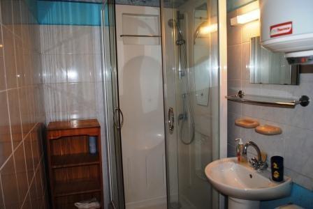 Location Appartement T2 BORMES LES MIMOSAS LA FAVIERE t2 CABINE MEUBLE