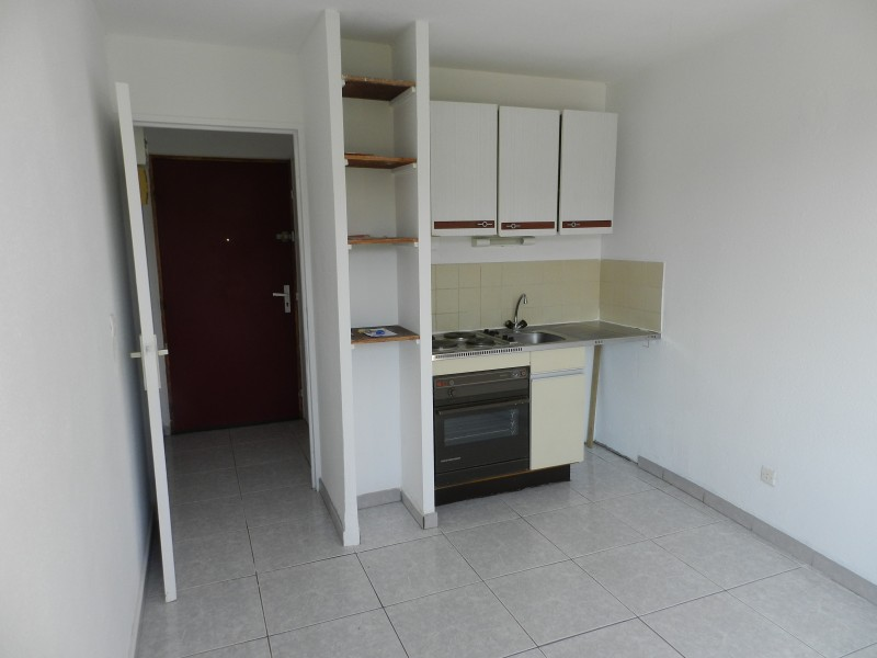 Location Appartement T1 BORMES LES MIMOSAS LA FAVIERE Studio