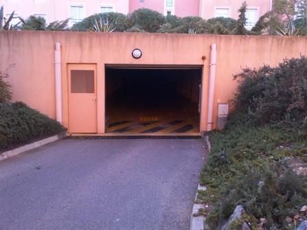 Location GARAGE Bormes les Mimosas la Faviere